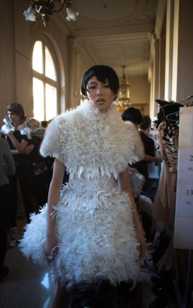 Backstage ON AURA TOUT VU couture photos by emmanuel sarnin (24)